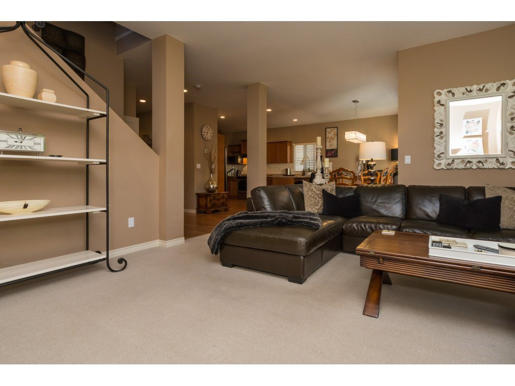 """Photo 5: Photos: 15 7067 189 Street in Surrey: Clayton House for sale in """"Claytonbrook"""" (Cloverdale)  : MLS®# R2183316"""