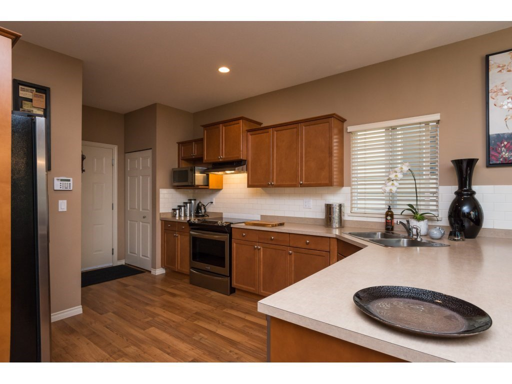 """Photo 7: Photos: 15 7067 189 Street in Surrey: Clayton House for sale in """"Claytonbrook"""" (Cloverdale)  : MLS®# R2183316"""