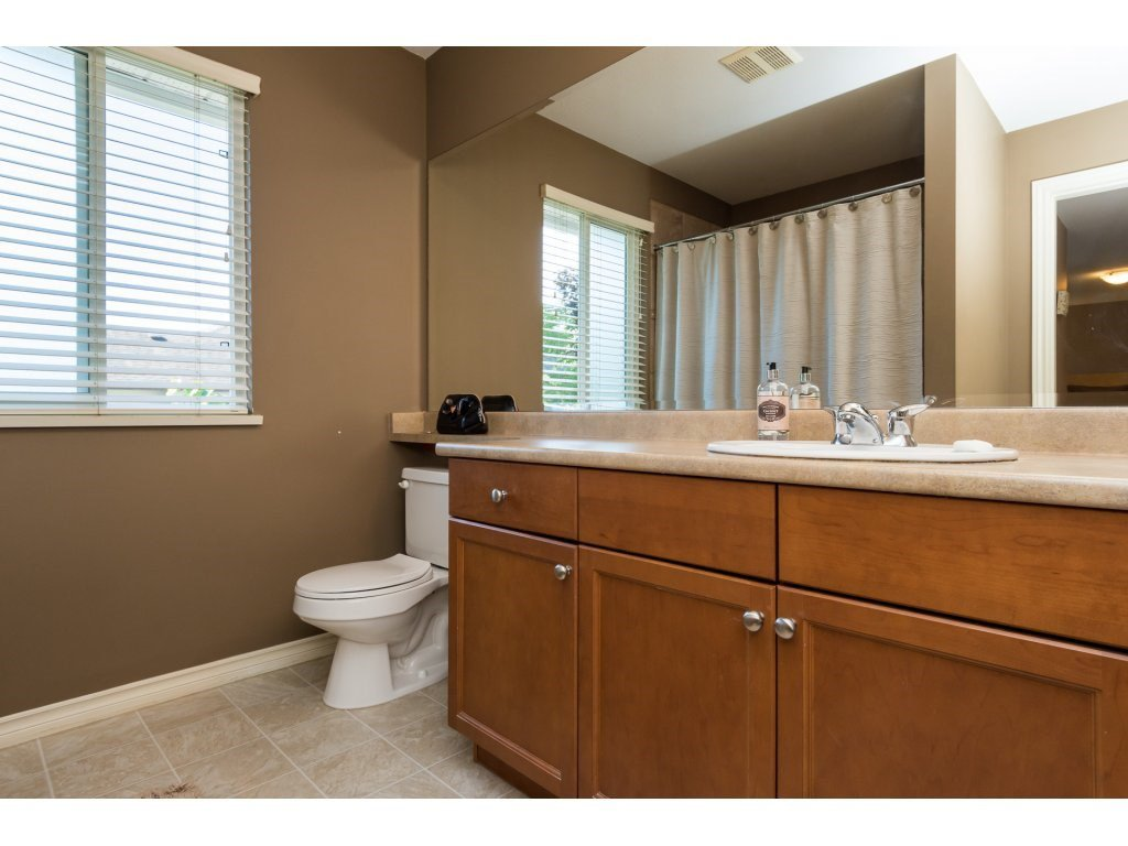 """Photo 12: Photos: 15 7067 189 Street in Surrey: Clayton House for sale in """"Claytonbrook"""" (Cloverdale)  : MLS®# R2183316"""