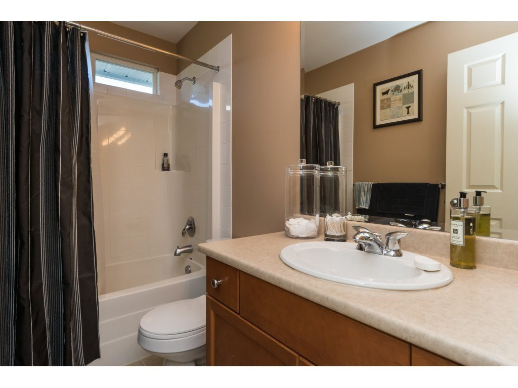 """Photo 15: Photos: 15 7067 189 Street in Surrey: Clayton House for sale in """"Claytonbrook"""" (Cloverdale)  : MLS®# R2183316"""