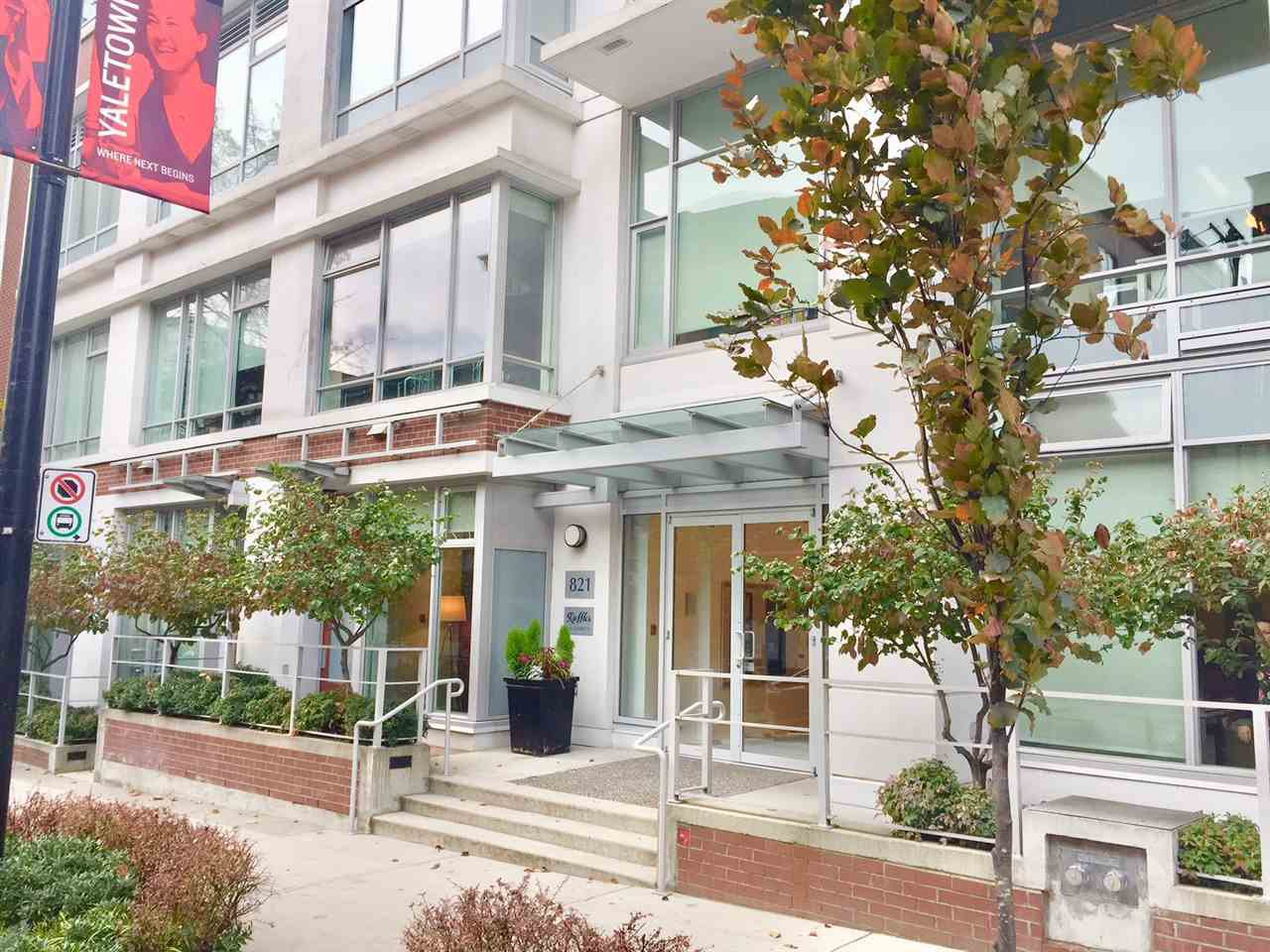 "Main Photo: 1204 821 CAMBIE Street in Vancouver: Downtown VW Condo for sale in ""RAFFLES ON ROBSON"" (Vancouver West)  : MLS®# R2233653"
