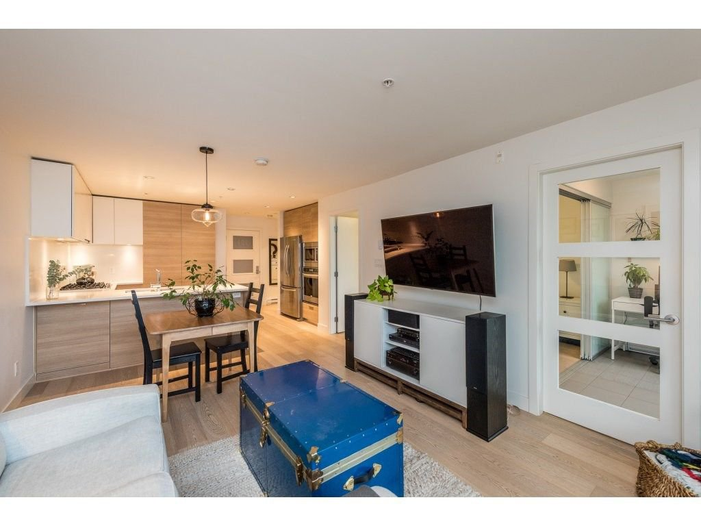 "Photo 10: Photos: 301 3456 COMMERCIAL Street in Vancouver: Victoria VE Condo for sale in ""MERCER"" (Vancouver East)  : MLS®# R2233963"