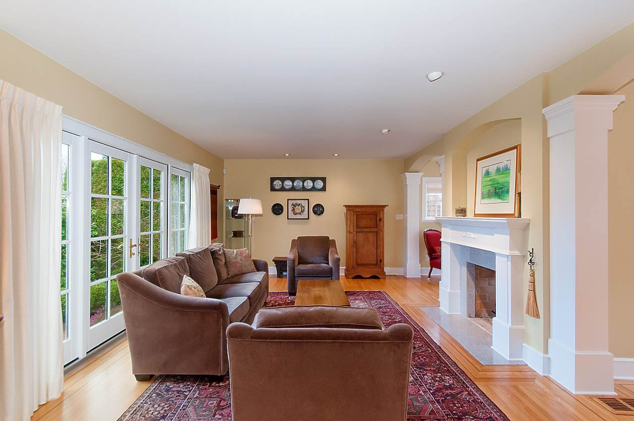 """Photo 3: Photos: 4755 W 7TH Avenue in Vancouver: University VW House for sale in """"Little Australia"""" (Vancouver West)  : MLS®# R2262672"""