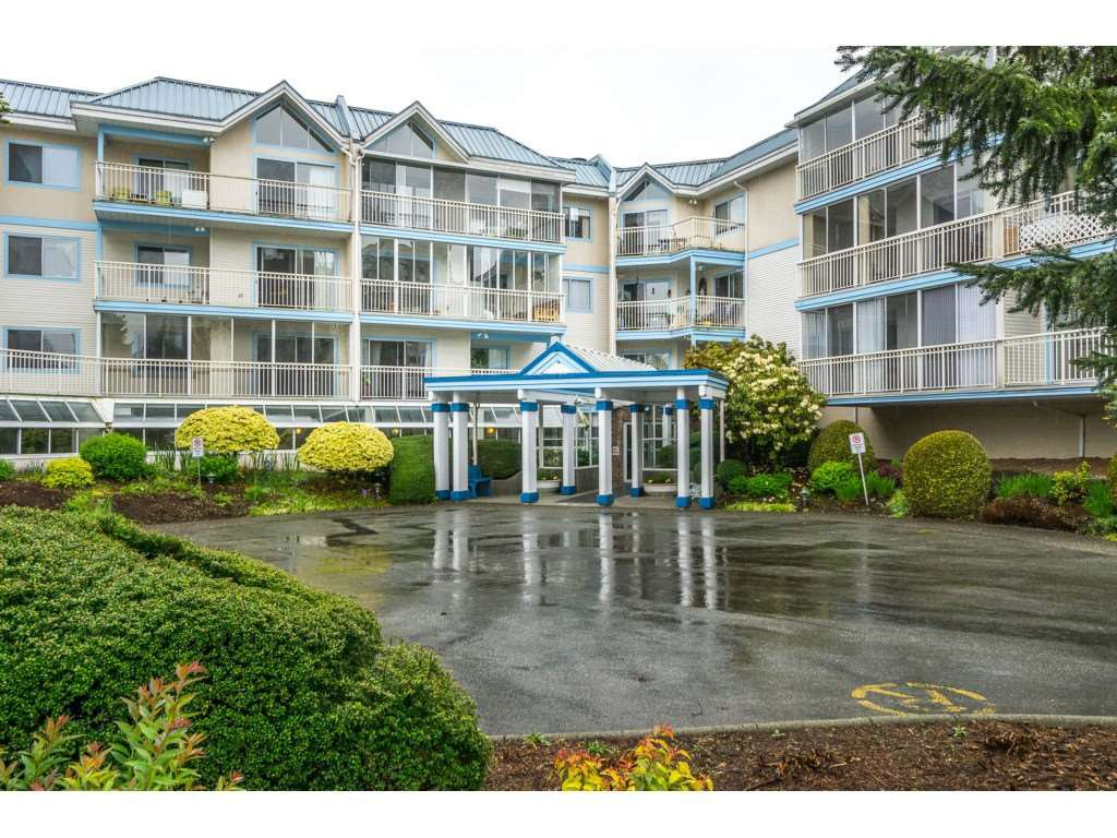 "Main Photo: 207 31930 OLD YALE Road in Abbotsford: Abbotsford West Condo for sale in ""Royal Court"" : MLS®# R2338800"