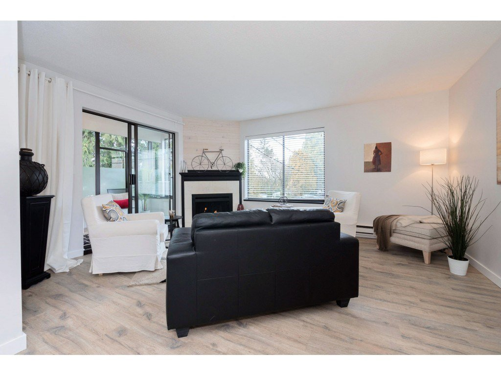 "Main Photo: 203 1467 MARTIN Street: White Rock Condo for sale in ""Searidge Court"" (South Surrey White Rock)  : MLS®# R2347342"