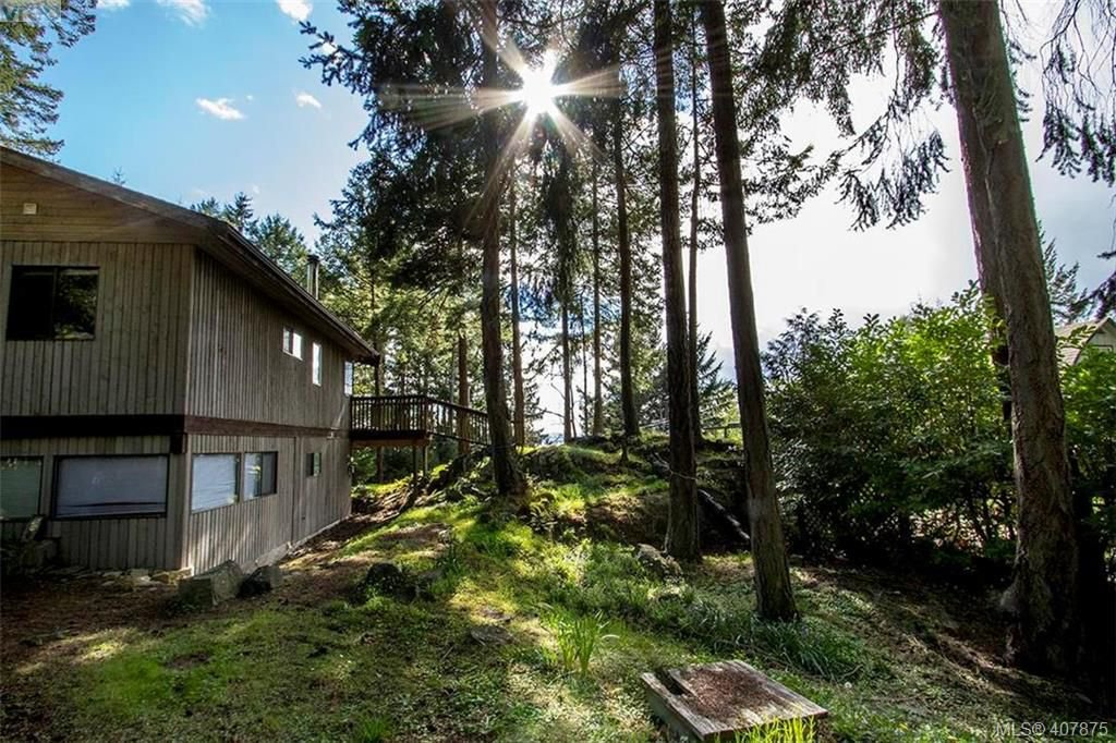 Main Photo: 2749 Shoal Rd in PENDER ISLAND: GI Pender Island Single Family Detached for sale (Gulf Islands)  : MLS®# 810549
