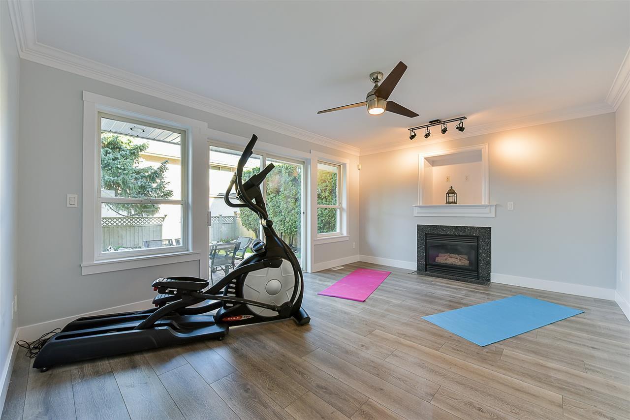 """Photo 9: Photos: 10916 157 Street in Surrey: Fraser Heights House for sale in """"Fraser Heights"""" (North Surrey)  : MLS®# R2356328"""