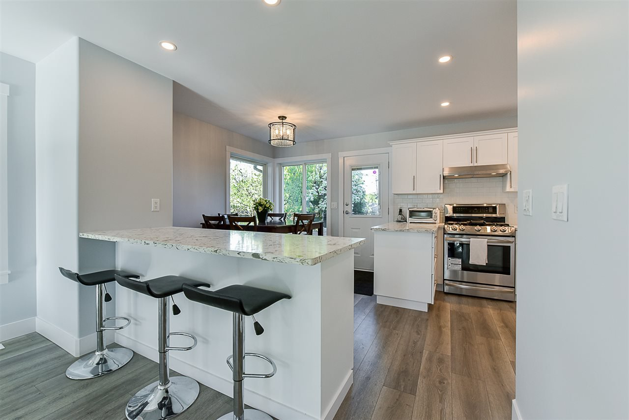 """Photo 6: Photos: 10916 157 Street in Surrey: Fraser Heights House for sale in """"Fraser Heights"""" (North Surrey)  : MLS®# R2356328"""