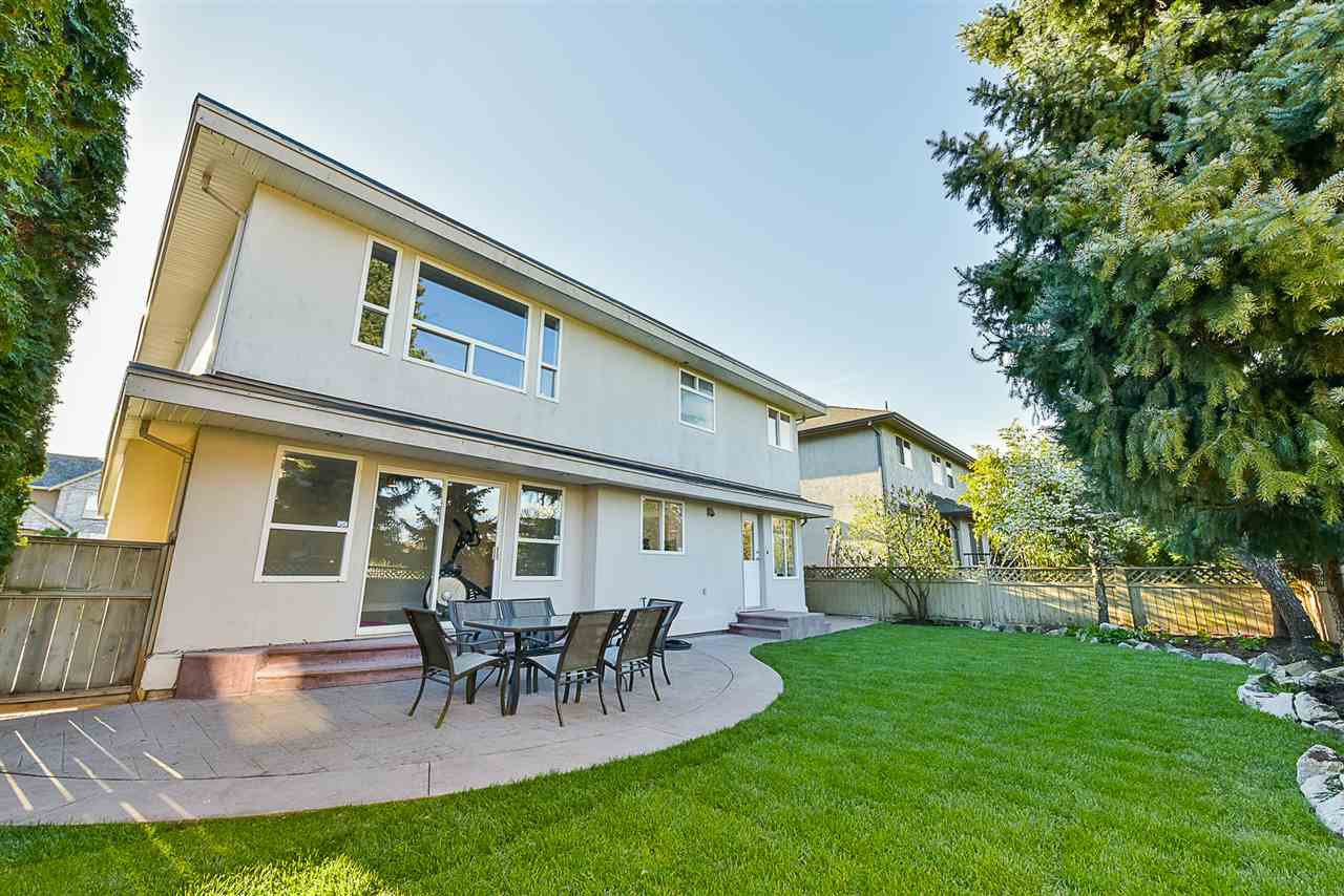 """Photo 17: Photos: 10916 157 Street in Surrey: Fraser Heights House for sale in """"Fraser Heights"""" (North Surrey)  : MLS®# R2356328"""