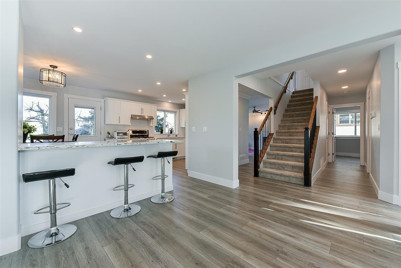 """Photo 5: Photos: 10916 157 Street in Surrey: Fraser Heights House for sale in """"Fraser Heights"""" (North Surrey)  : MLS®# R2356328"""