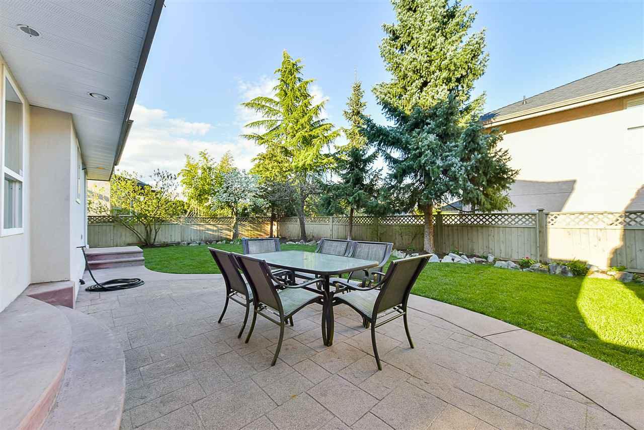 """Photo 18: Photos: 10916 157 Street in Surrey: Fraser Heights House for sale in """"Fraser Heights"""" (North Surrey)  : MLS®# R2356328"""
