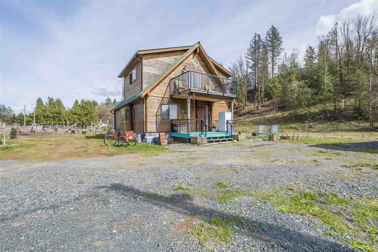 Main Photo: 970 COLUMBIA VALLEY Road: Columbia Valley House for sale (Cultus Lake)  : MLS®# R2363128