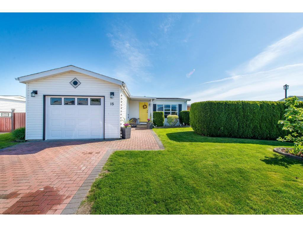 """Main Photo: 15 45918 KNIGHT Road in Sardis: Sardis East Vedder Rd Manufactured Home for sale in """"COUNTRY PARK VILLAGE"""" : MLS®# R2368737"""