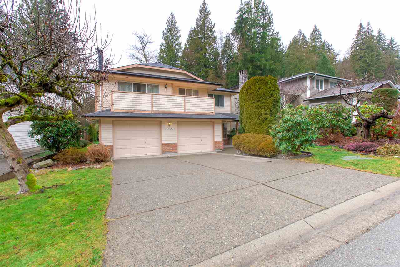 Main Photo: 1707 CASCADE Court in North Vancouver: Indian River House for sale : MLS®# R2435700