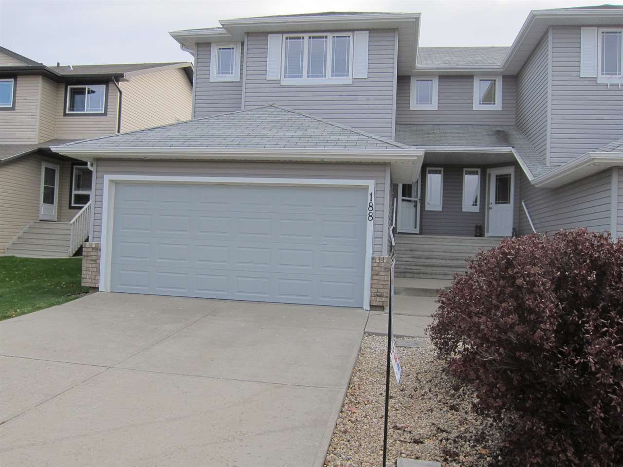 Main Photo: 188 BROOKVIEW Way: Stony Plain House Half Duplex for sale : MLS®# E4189477