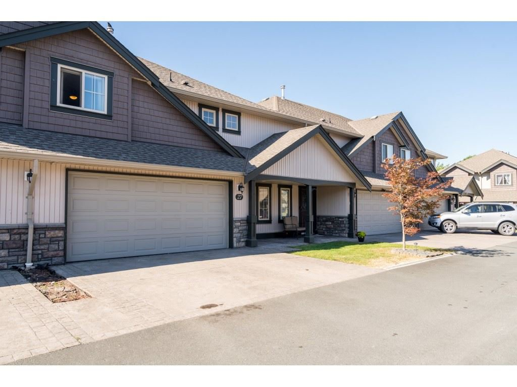 "Main Photo: 27 6450 BLACKWOOD Lane in Chilliwack: Sardis West Vedder Rd Townhouse for sale in ""The Maples"" (Sardis)  : MLS®# R2480574"