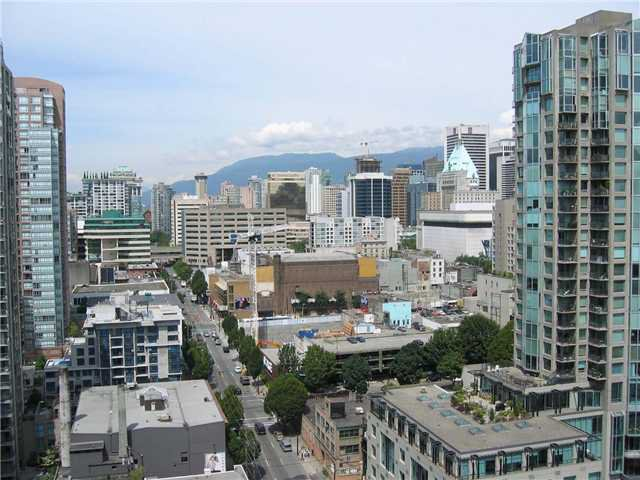 "Main Photo: 2308 909 MAINLAND Street in Vancouver: Downtown VW Condo for sale in ""YALETOWN PARK 2"" (Vancouver West)  : MLS®# V888548"