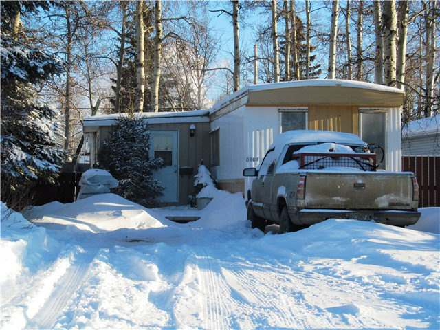 Main Photo: 8707 76TH Street in Fort St. John: Fort St. John - City SE Manufactured Home for sale (Fort St. John (Zone 60))  : MLS®# N231228