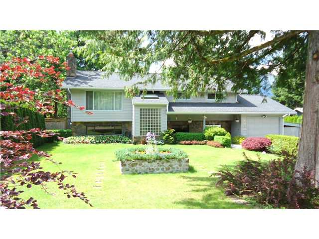 "Main Photo: 2542 MONTROSE Way in Squamish: Garibaldi Highlands House for sale in ""GARIBALDI HIGHLANDS"" : MLS®# V1123459"