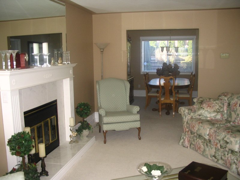 "Photo 3: Photos: 19285 63A Ave in Surrey: Clayton House for sale in ""Bakerview Hts"" (Cloverdale)  : MLS®# F2622679"