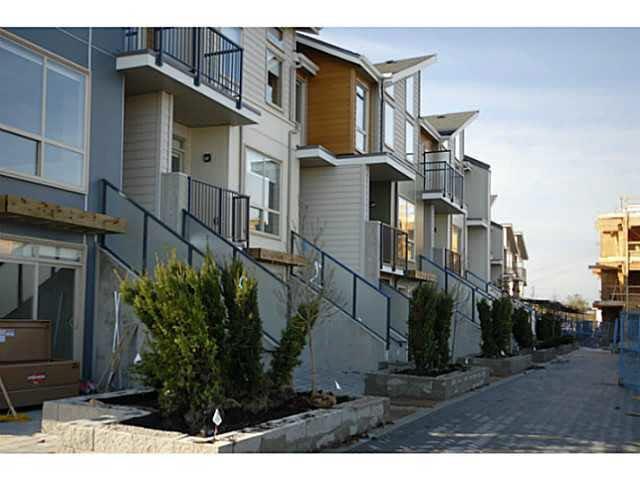 Main Photo: 310 10155 RIVER DRIVE in : Bridgeport RI Condo for sale : MLS®# V1035350