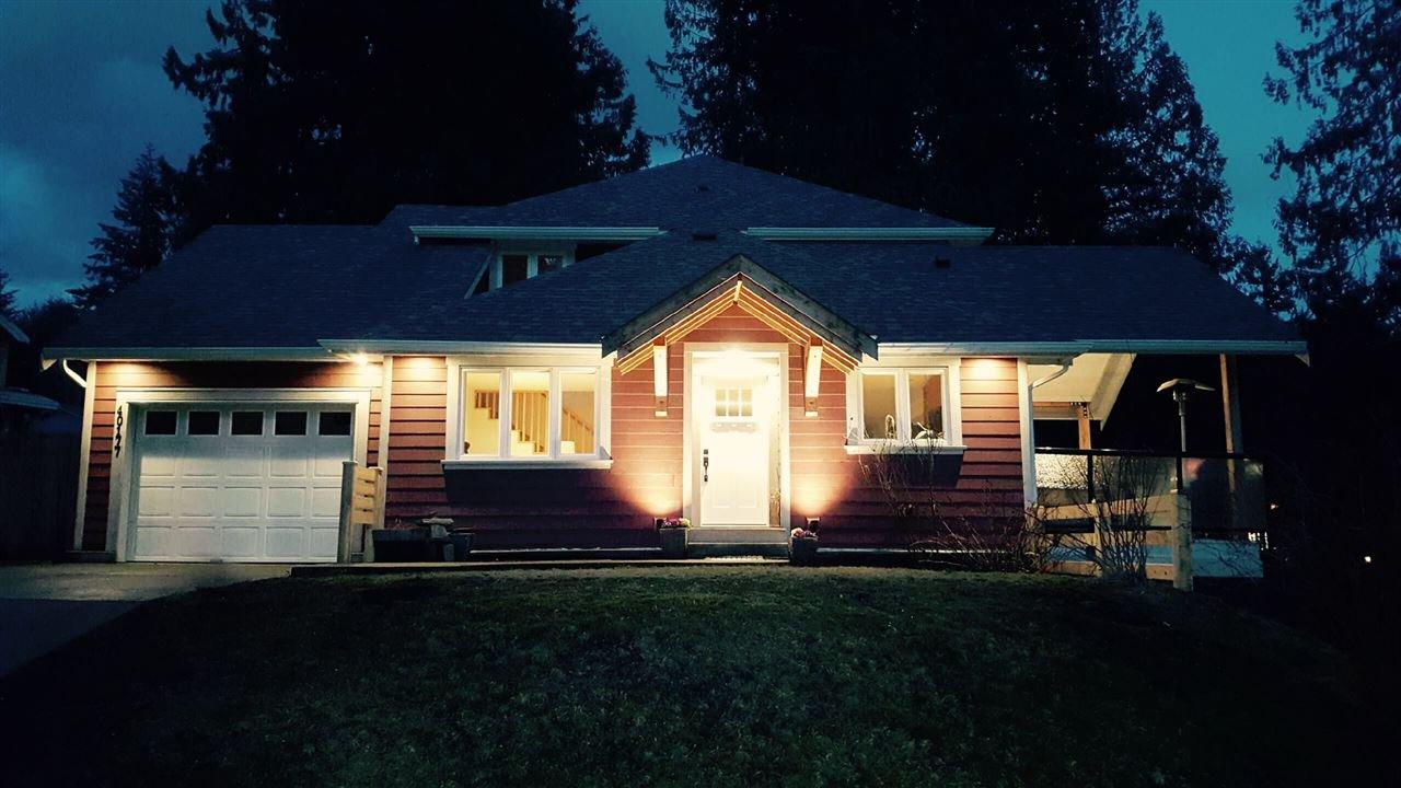 "Main Photo: 40177 BILL'S Place in Squamish: Garibaldi Highlands House for sale in ""Garibaldi Highland"" : MLS®# R2151264"