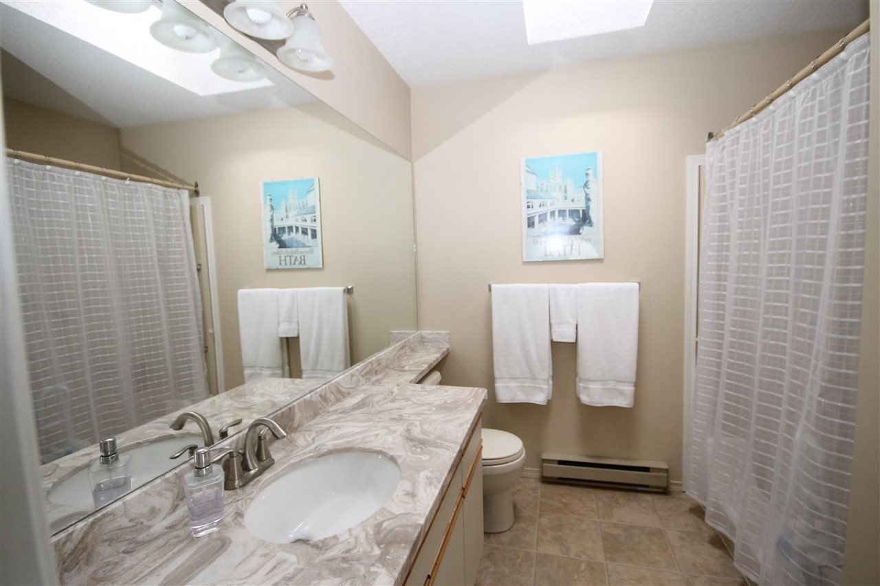 "Photo 12: Photos: 69 2345 CRANLEY Drive in Surrey: King George Corridor Manufactured Home for sale in ""La Mesa"" (South Surrey White Rock)  : MLS®# R2153099"