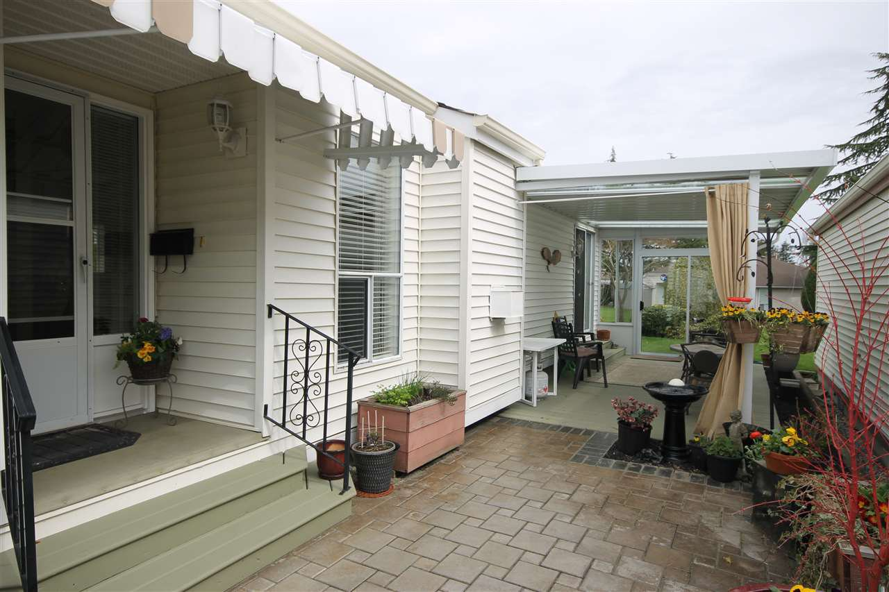 "Photo 1: Photos: 69 2345 CRANLEY Drive in Surrey: King George Corridor Manufactured Home for sale in ""La Mesa"" (South Surrey White Rock)  : MLS®# R2153099"