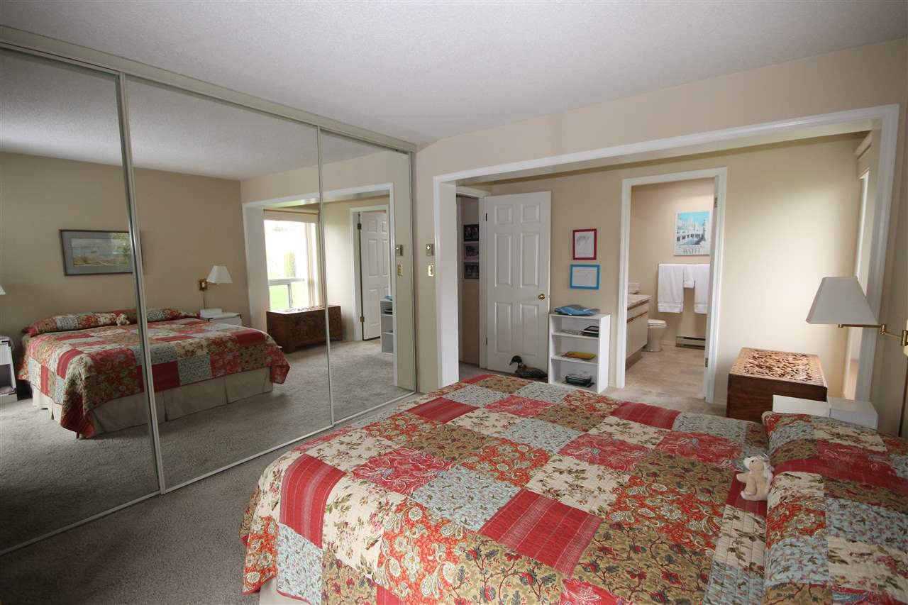 "Photo 11: Photos: 69 2345 CRANLEY Drive in Surrey: King George Corridor Manufactured Home for sale in ""La Mesa"" (South Surrey White Rock)  : MLS®# R2153099"