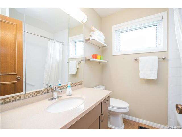 Photo 14: Photos: 14 Principal Bay in Winnipeg: North Kildonan Residential for sale (3G)  : MLS®# 1710088