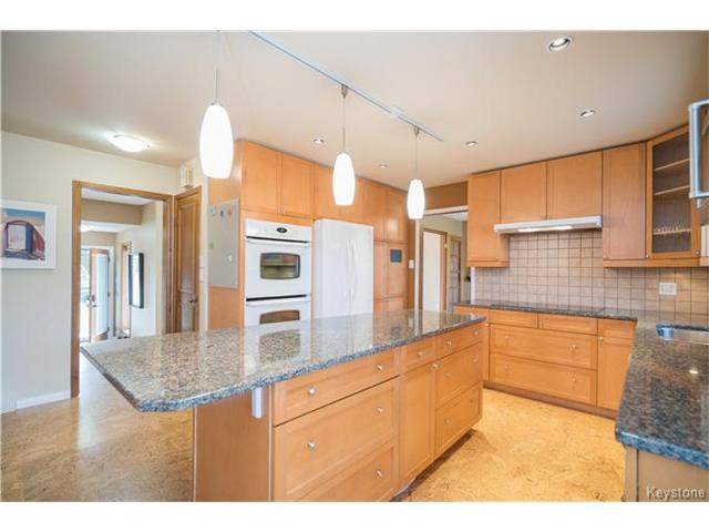 Photo 6: Photos: 14 Principal Bay in Winnipeg: North Kildonan Residential for sale (3G)  : MLS®# 1710088