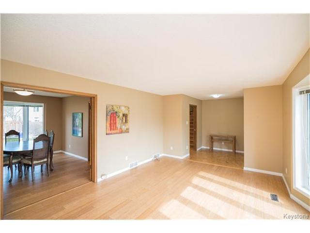 Photo 3: Photos: 14 Principal Bay in Winnipeg: North Kildonan Residential for sale (3G)  : MLS®# 1710088