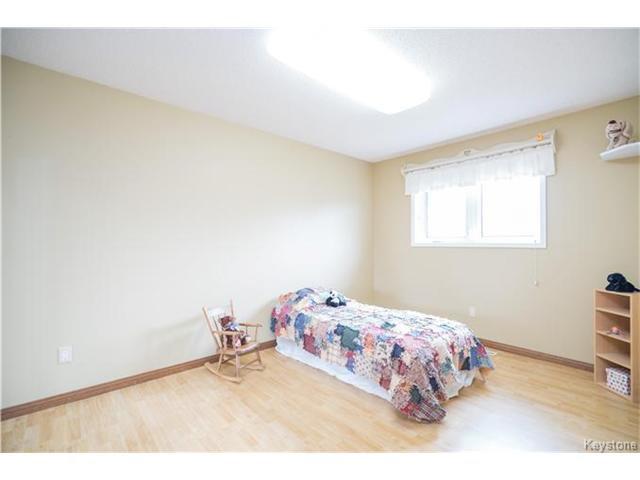 Photo 13: Photos: 14 Principal Bay in Winnipeg: North Kildonan Residential for sale (3G)  : MLS®# 1710088