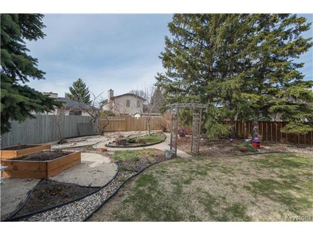 Photo 19: Photos: 14 Principal Bay in Winnipeg: North Kildonan Residential for sale (3G)  : MLS®# 1710088