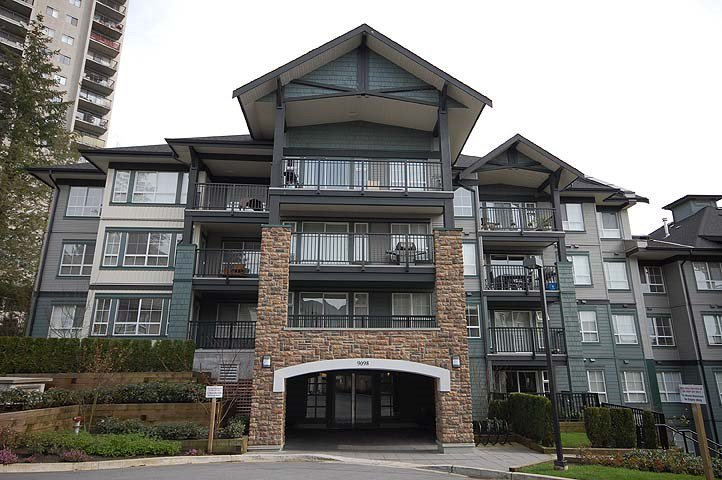 """Main Photo: 305 9098 HALSTON Court in Burnaby: Government Road Condo for sale in """"Sandalwood II"""" (Burnaby North)  : MLS®# R2184068"""