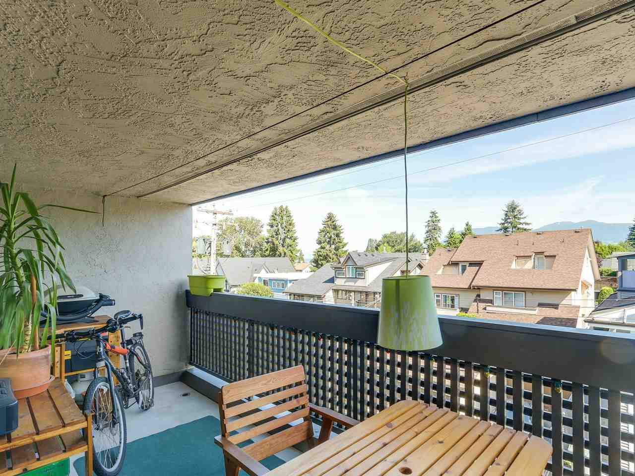 Main Photo: 309 1977 STEPHENS STREET in Vancouver: Kitsilano Condo for sale (Vancouver West)  : MLS®# R2183869