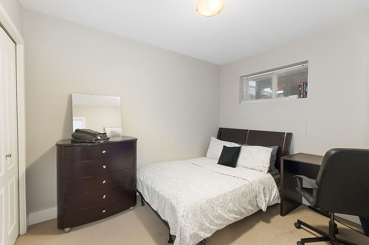 Photo 12: Photos: 645 E 30TH Avenue in Vancouver: Fraser VE House for sale (Vancouver East)  : MLS®# R2204654