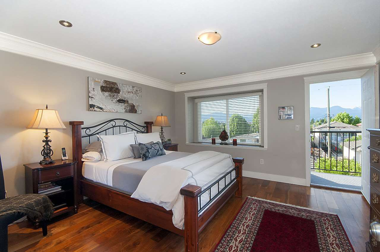 Photo 7: Photos: 645 E 30TH Avenue in Vancouver: Fraser VE House for sale (Vancouver East)  : MLS®# R2204654