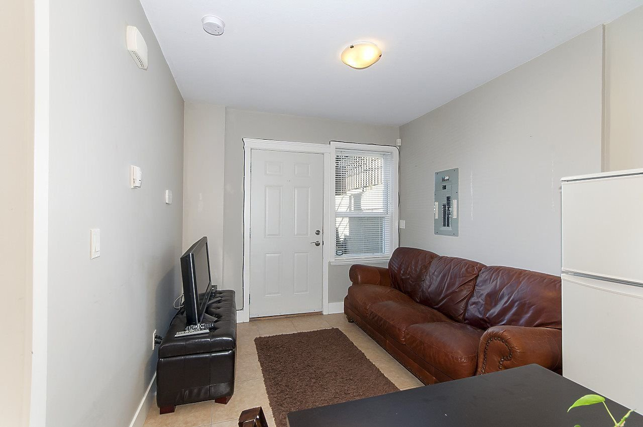Photo 10: Photos: 645 E 30TH Avenue in Vancouver: Fraser VE House for sale (Vancouver East)  : MLS®# R2204654