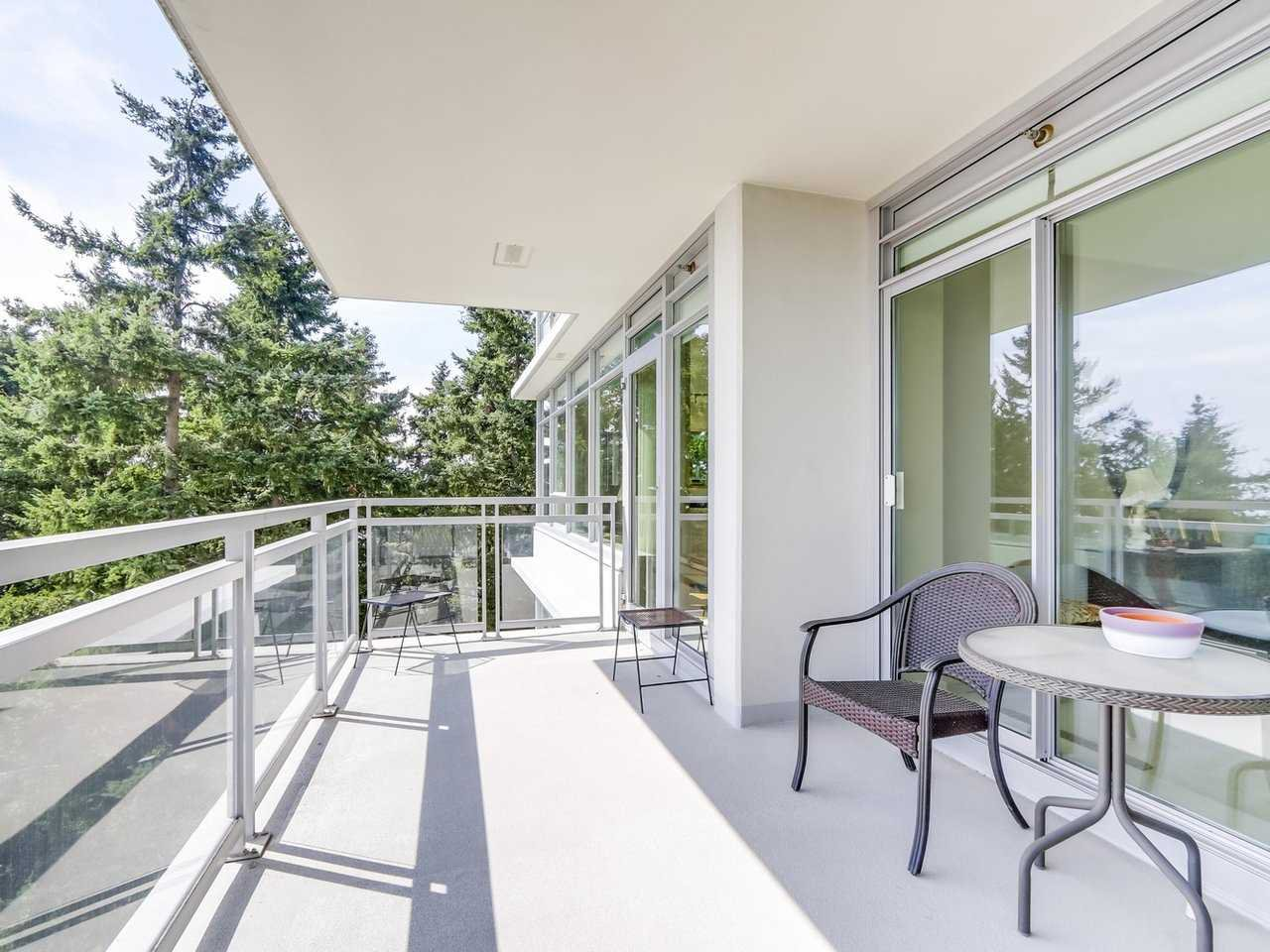 "Photo 18: Photos: 802 15152 RUSSELL Avenue: White Rock Condo for sale in ""Miramar Village"" (South Surrey White Rock)  : MLS®# R2225348"