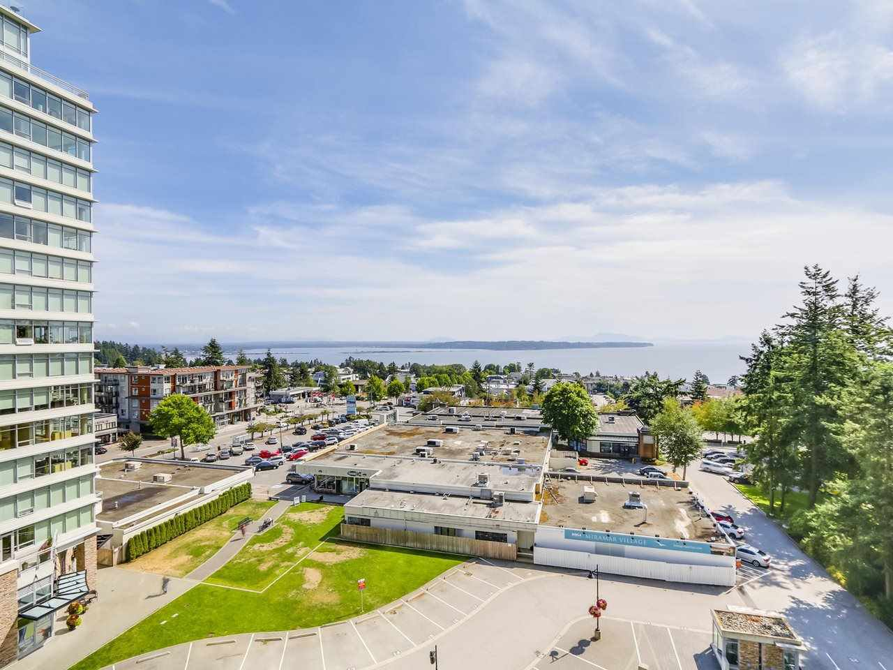"Photo 19: Photos: 802 15152 RUSSELL Avenue: White Rock Condo for sale in ""Miramar Village"" (South Surrey White Rock)  : MLS®# R2225348"