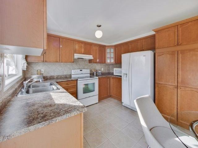 Photo 13: Photos: 188 Raponi Circle in Toronto: Rouge E11 House (2-Storey) for sale (Toronto E11)  : MLS®# E4005850