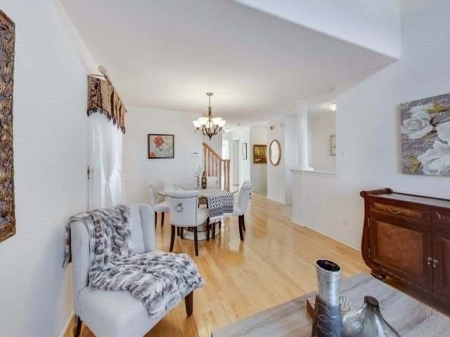 Photo 5: Photos: 188 Raponi Circle in Toronto: Rouge E11 House (2-Storey) for sale (Toronto E11)  : MLS®# E4005850