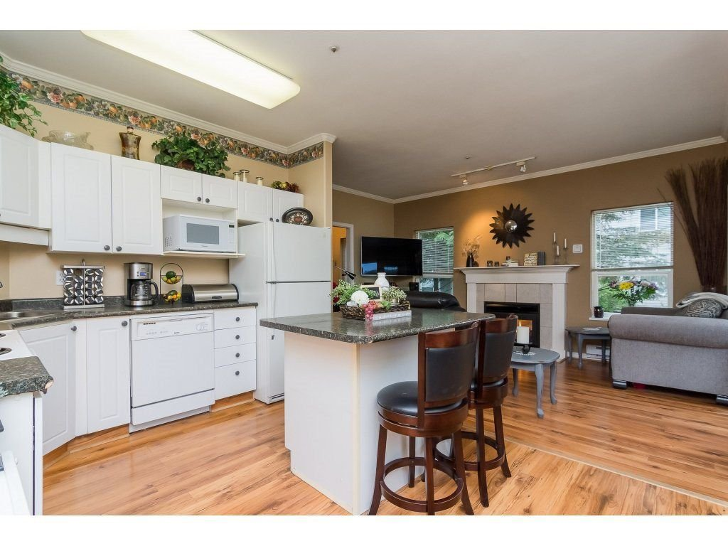 "Photo 9: Photos: 106 33502 GEORGE FERGUSON Way in Abbotsford: Central Abbotsford Condo for sale in ""Carina Court"" : MLS®# R2262879"