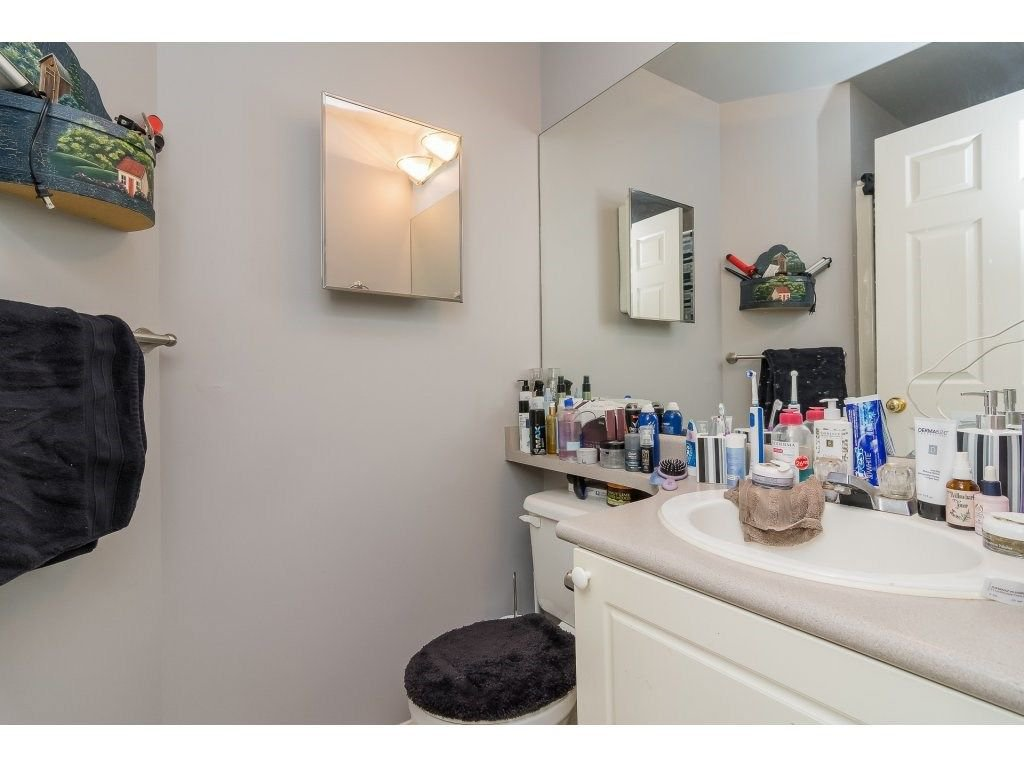 "Photo 13: Photos: 106 33502 GEORGE FERGUSON Way in Abbotsford: Central Abbotsford Condo for sale in ""Carina Court"" : MLS®# R2262879"