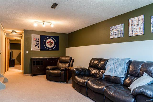 Photo 13: Photos: 6 Leston Place in Winnipeg: Residential for sale (2E)  : MLS®# 1816429