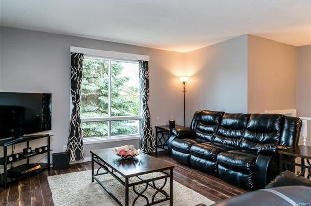 Photo 3: Photos: 6 Leston Place in Winnipeg: Residential for sale (2E)  : MLS®# 1816429