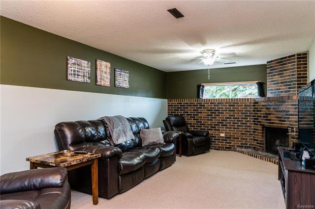 Photo 11: Photos: 6 Leston Place in Winnipeg: Residential for sale (2E)  : MLS®# 1816429