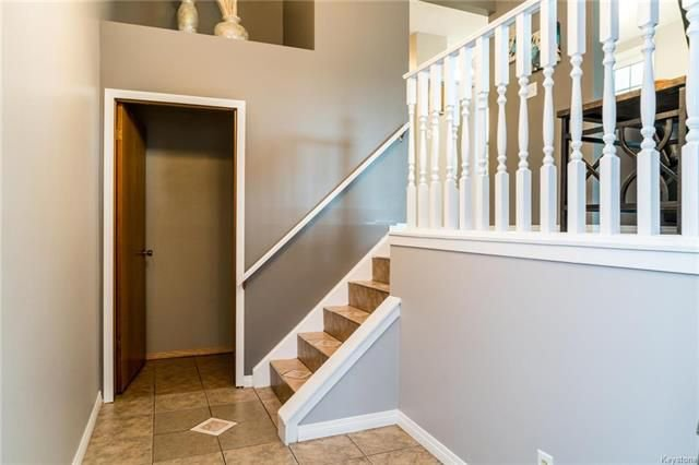 Photo 10: Photos: 6 Leston Place in Winnipeg: Residential for sale (2E)  : MLS®# 1816429