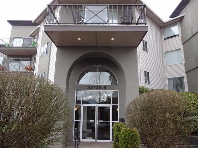 Main Photo: 212 32725 GEORGE FERGUSON WAY in : Abbotsford West Condo for sale : MLS®# R2153406